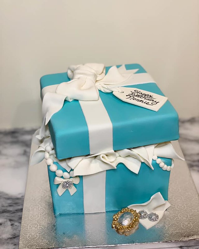 Cake by Cravin' Cakes LV