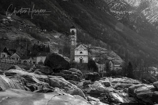 Chiesa Santa Maria degli Angeli, Lavertezzo, Switzerland