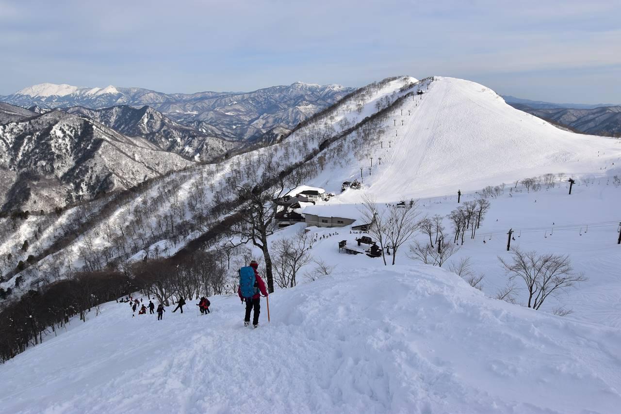 冬の谷川岳 スキー場へ下山