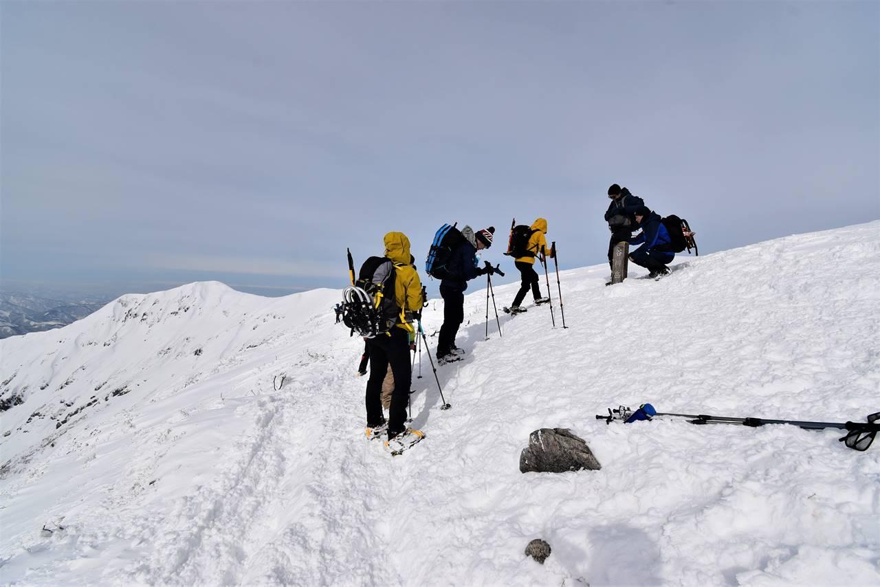 冬の谷川岳(天神尾根コース)雪山登山 オキの耳撮影待ち