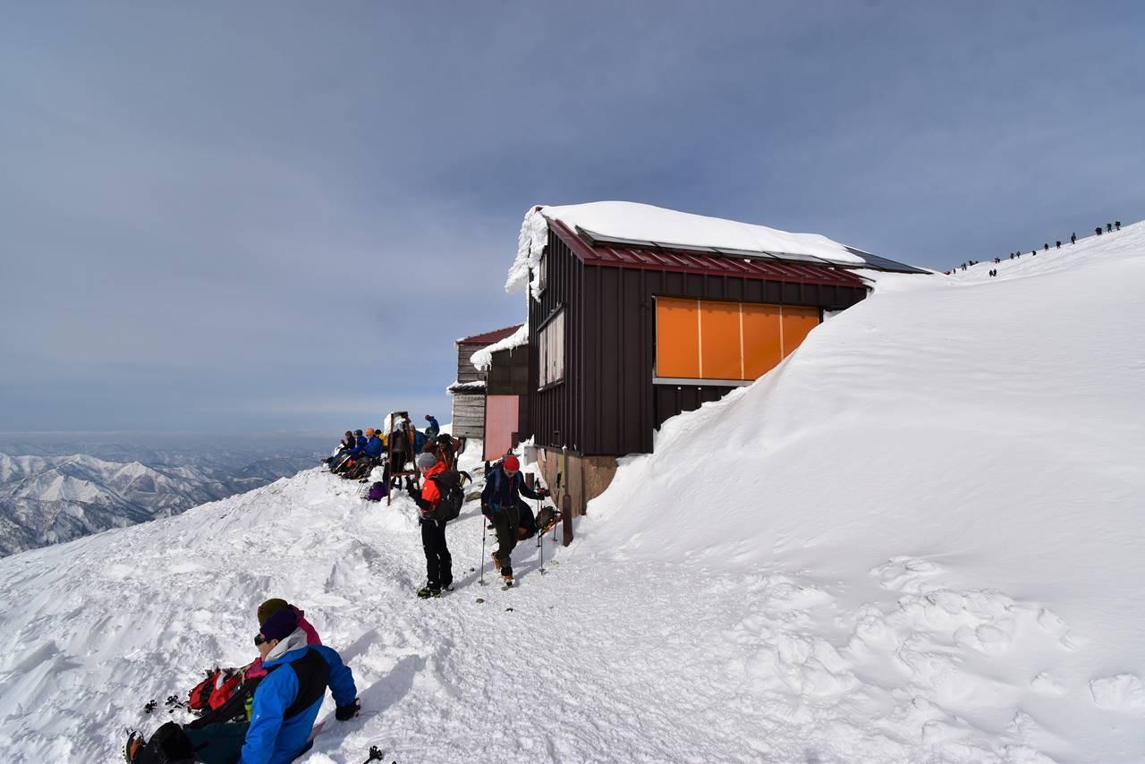 冬の谷川岳(天神尾根コース)雪山登山・肩の小屋
