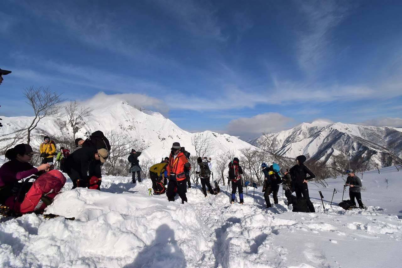 冬の谷川岳 大混雑の雪山登山