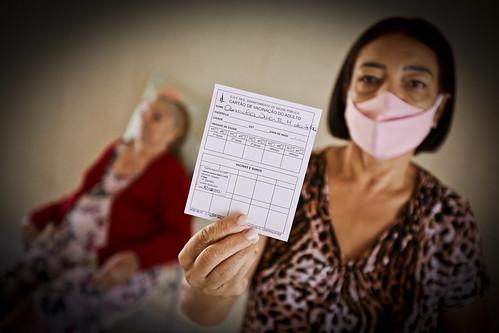 Saúde vacina primeiras pessoas agendadas via Telecovid