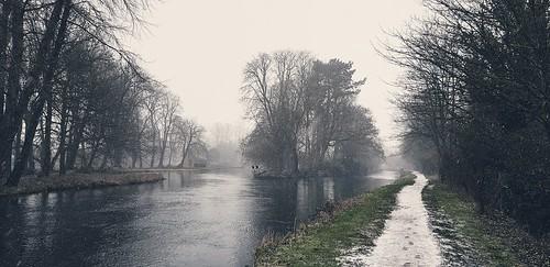 riverkennet river landscape walk theale winter snow snowing