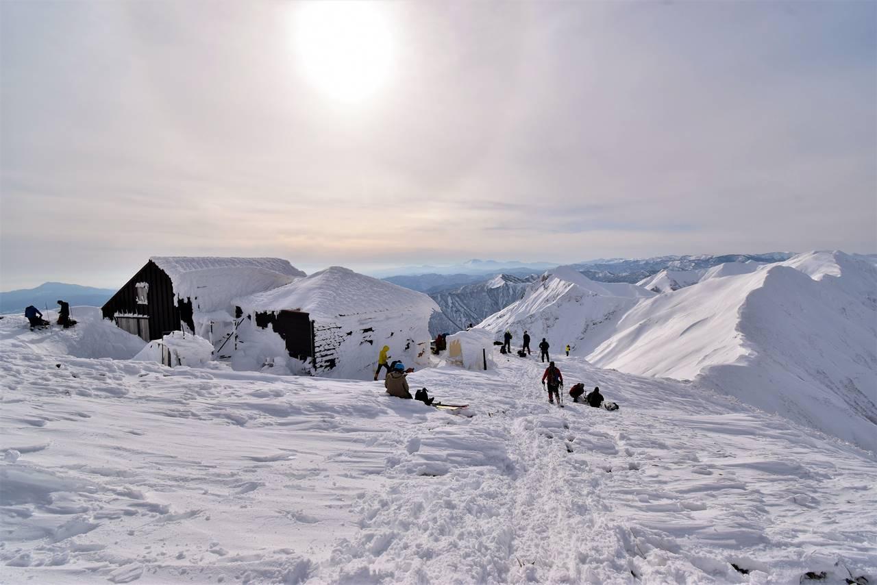 冬の谷川岳(天神尾根コース)雪山登山 肩の小屋