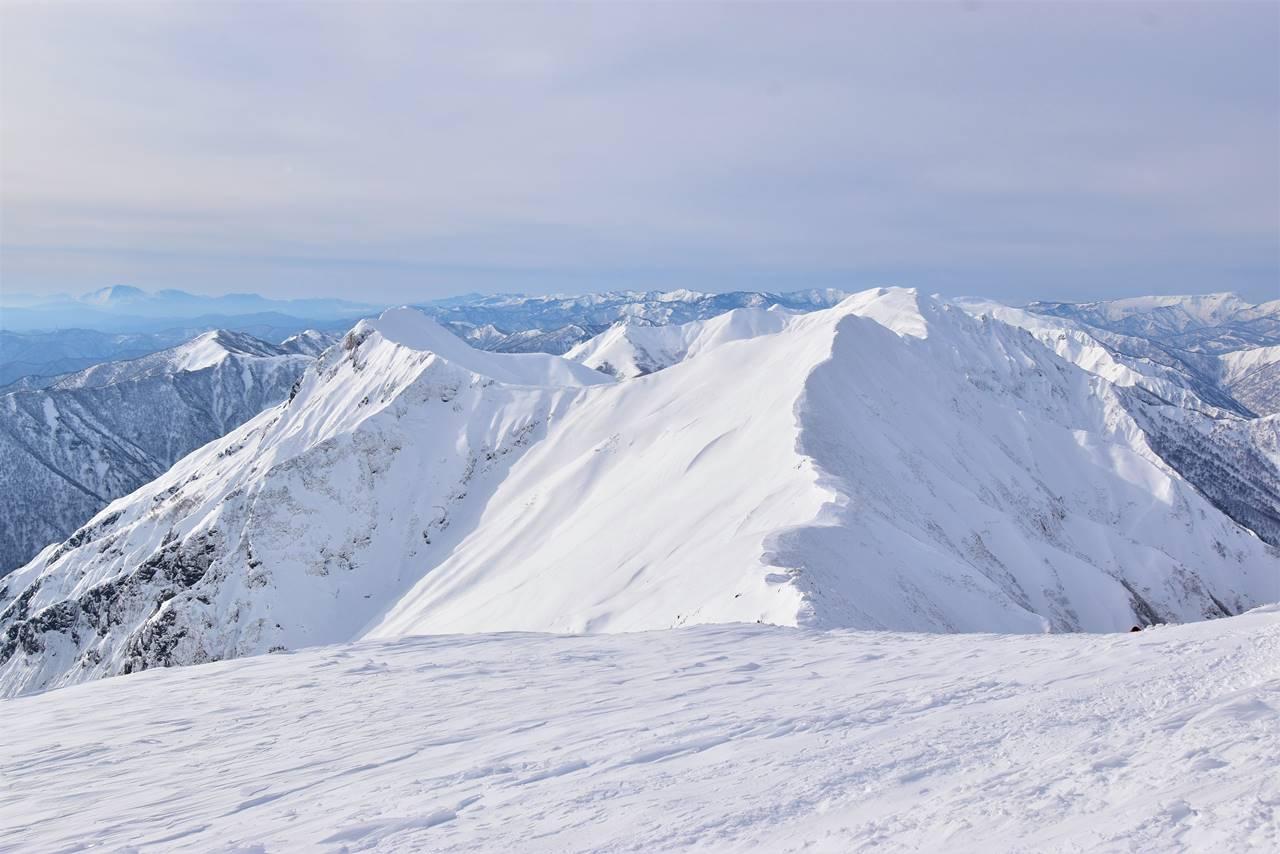 冬の谷川岳 雪景色の谷川主脈