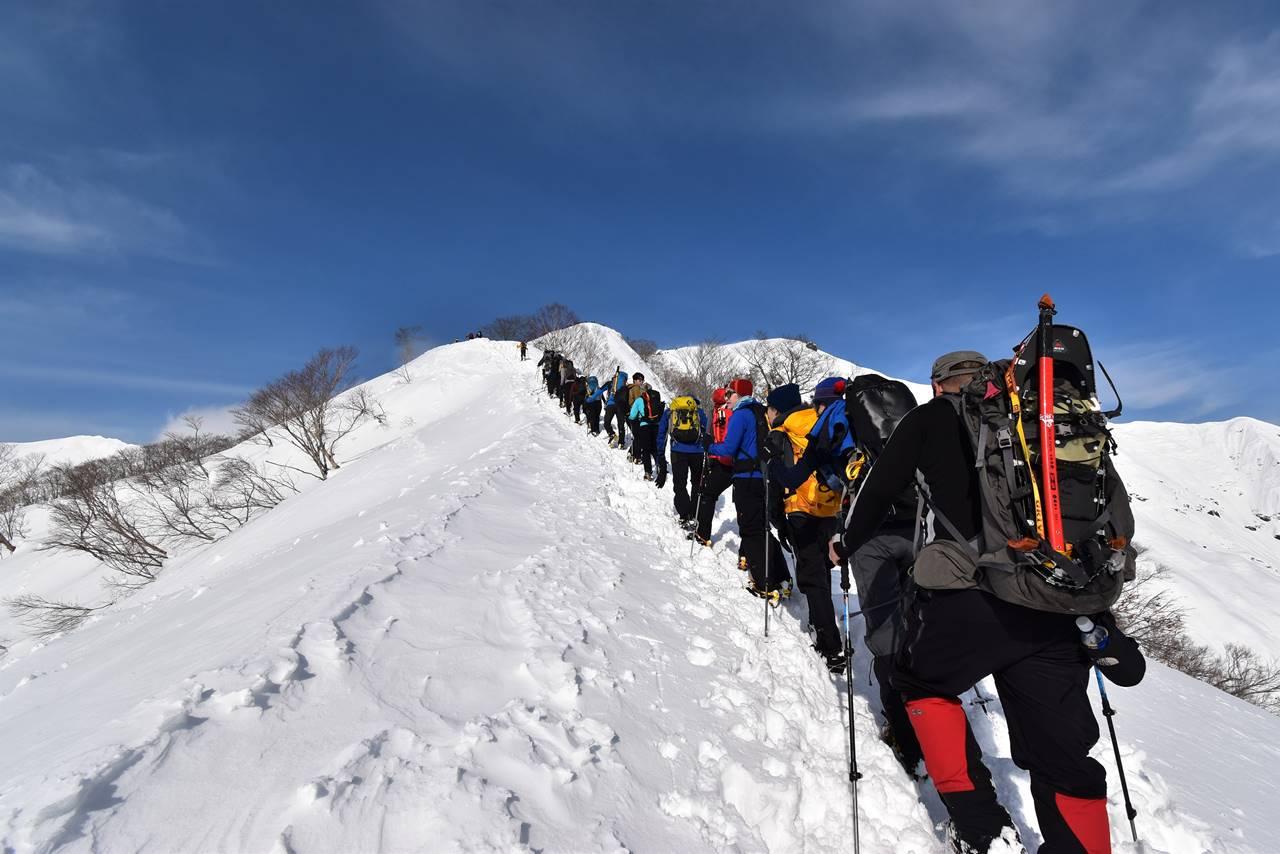 冬の谷川岳(天神尾根コース)大行列の雪山登山