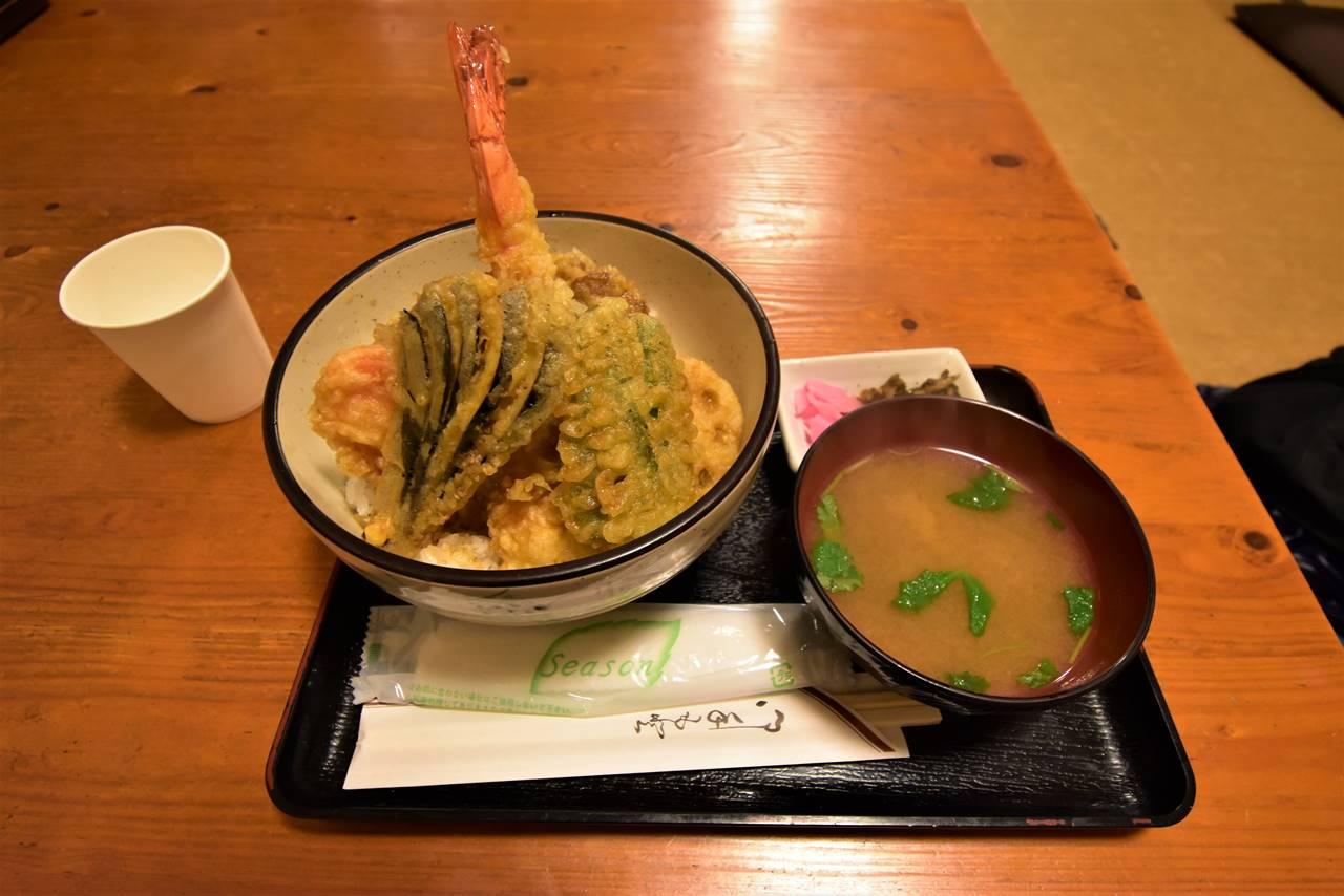 鈴森の湯のお食事処の天丼