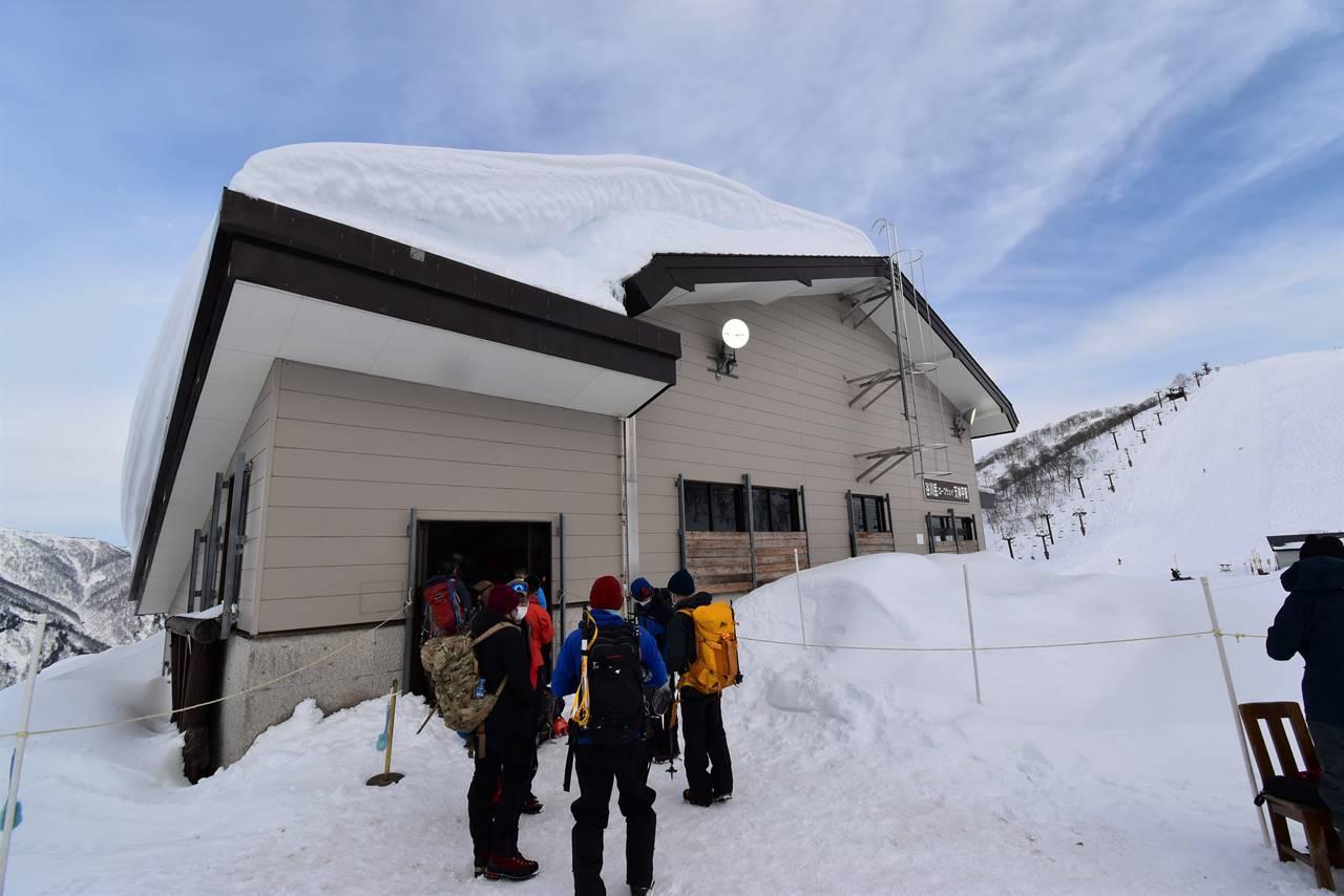 冬の谷川岳 山頂ロープウェイ乗り場