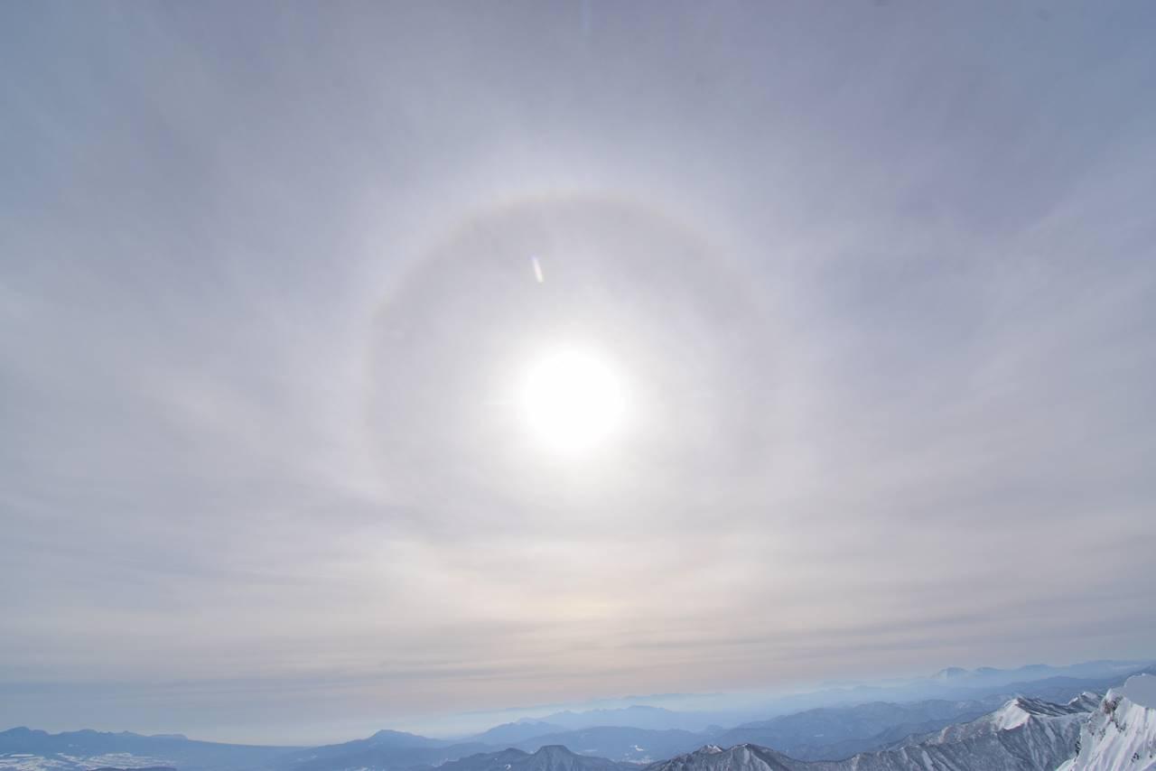 太陽の虹・日暈(ハロー)