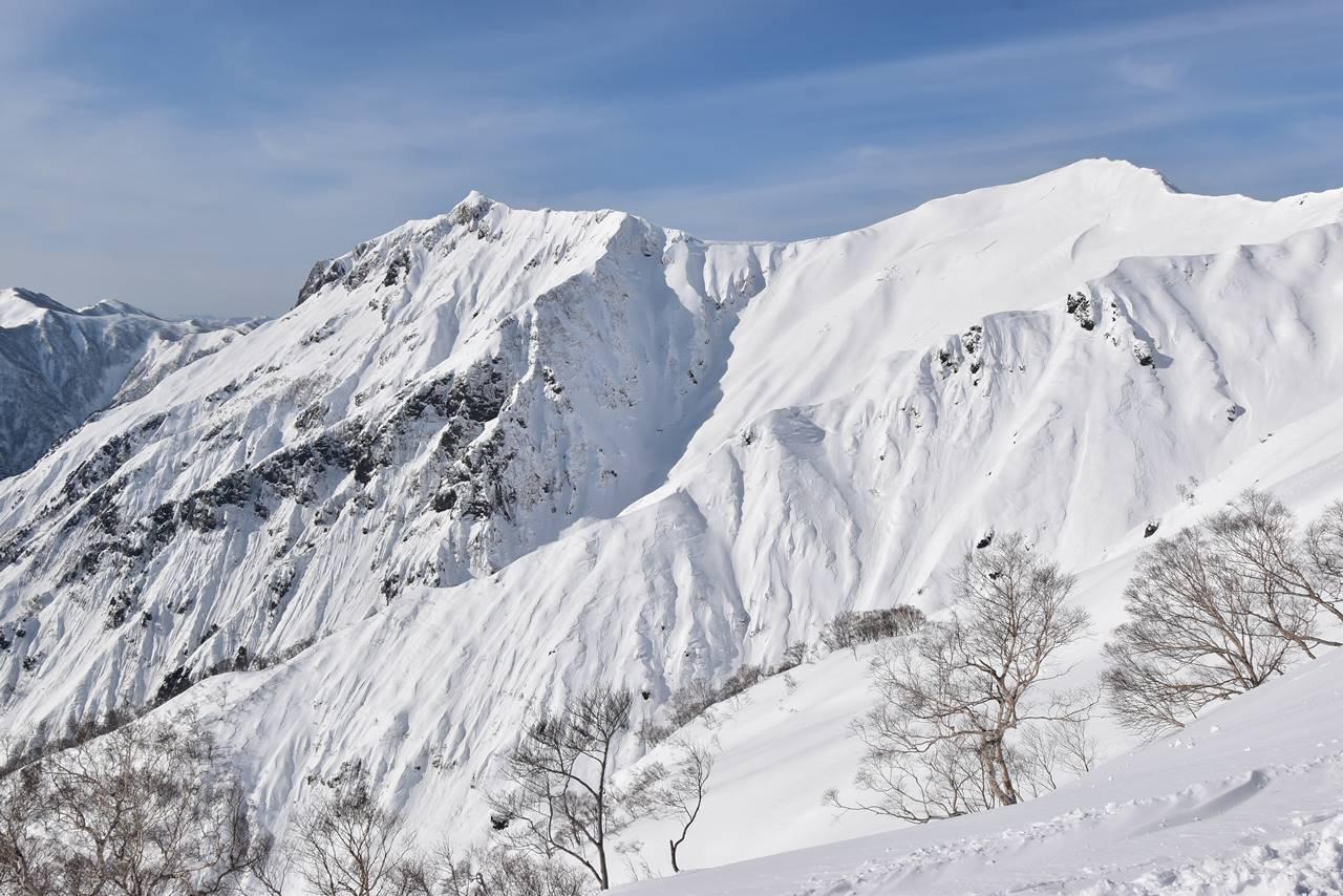 冬の谷川岳(天神尾根コース)稜線の雪景色