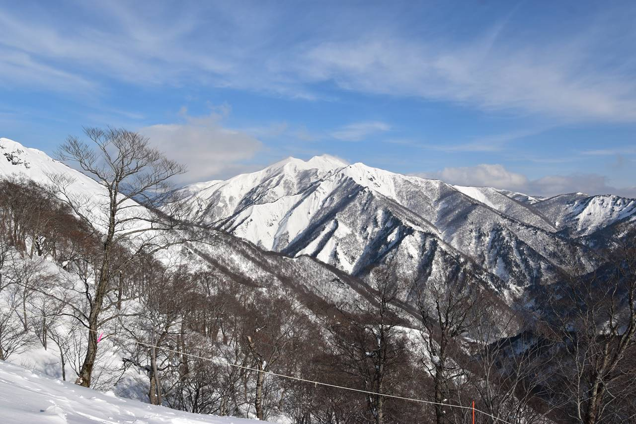雪の白毛門〜朝日岳