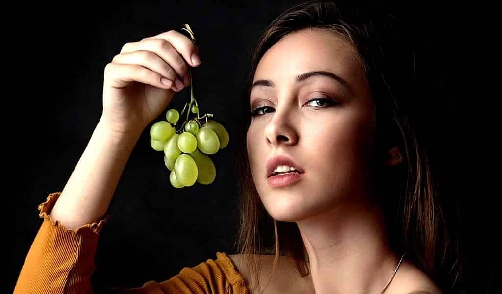 manger-des-raisins-protége-la-peau-des-UV