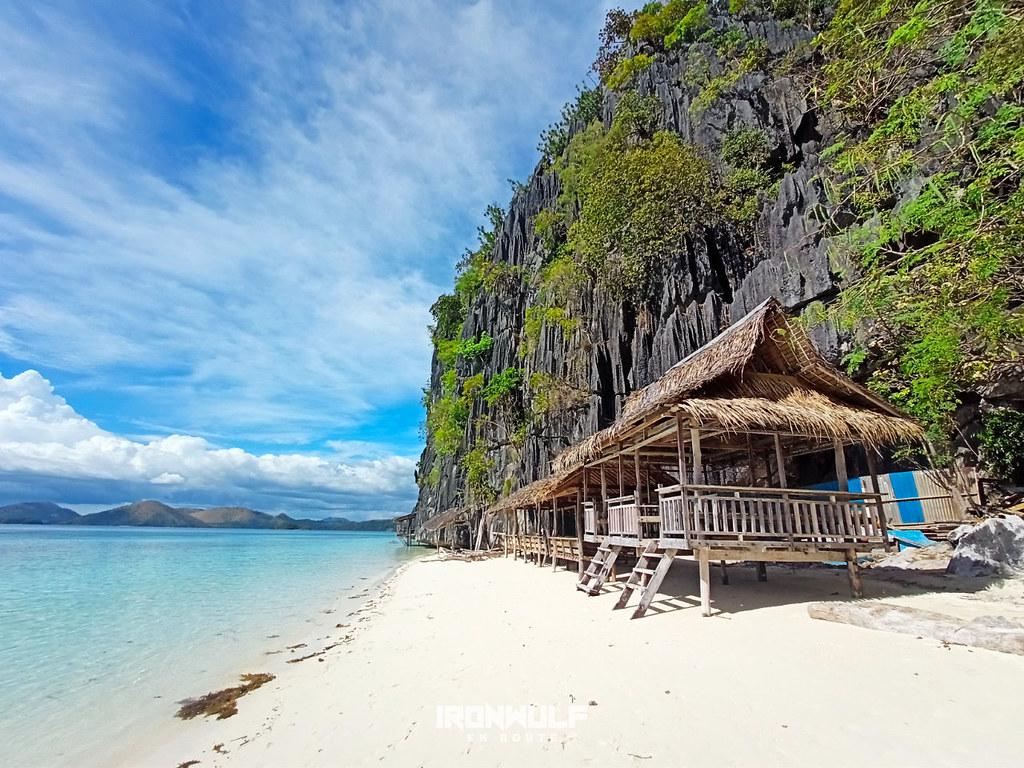 An empty Banol beach