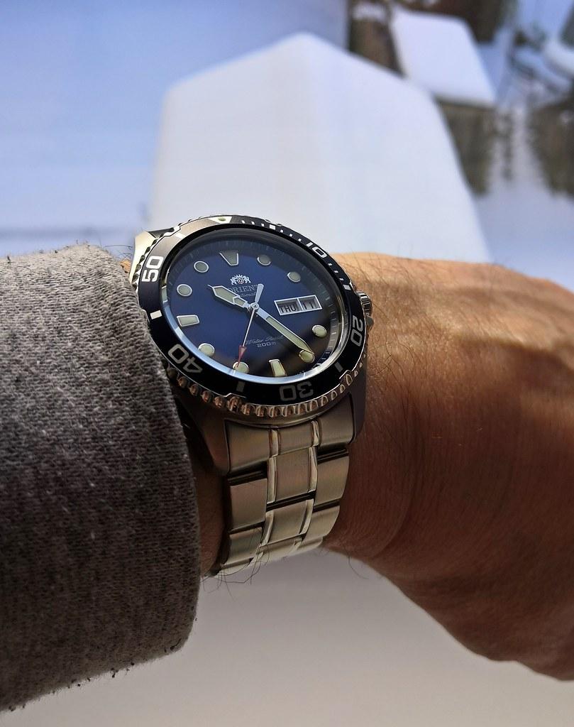 Orient 'Ray II' (Cal F6922)