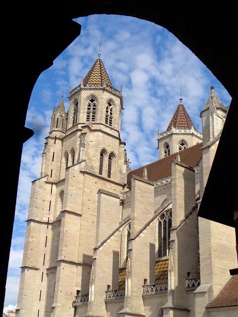 Dijon / Cathédrale Saint-Bénigne - Clocher Sud (depuis le parvis de l'église Saint-Philibert)