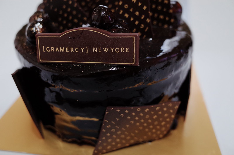 池袋東武百貨店GRAMERCY NEW YORKマカデミアチョコレートケーキ