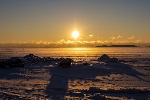 canon6d landscape nature outdoors outside frozen sun sunrise espoo finland rocks coast