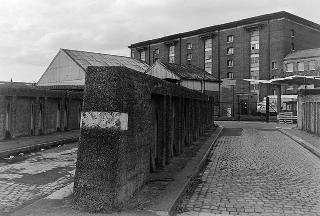 Bridge, Granary, Regent's Canal, Kings Cross, Camden, 1985 85-ac-33