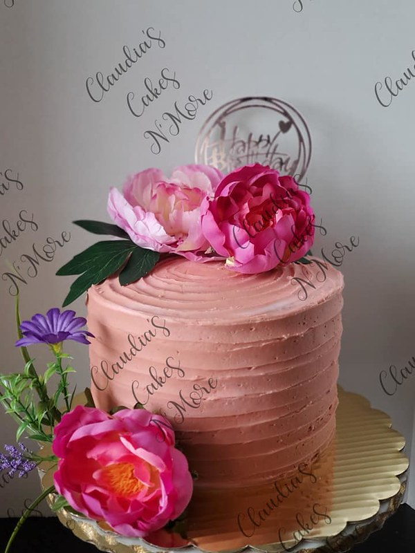 Cake by Claudia's Cakes N' More