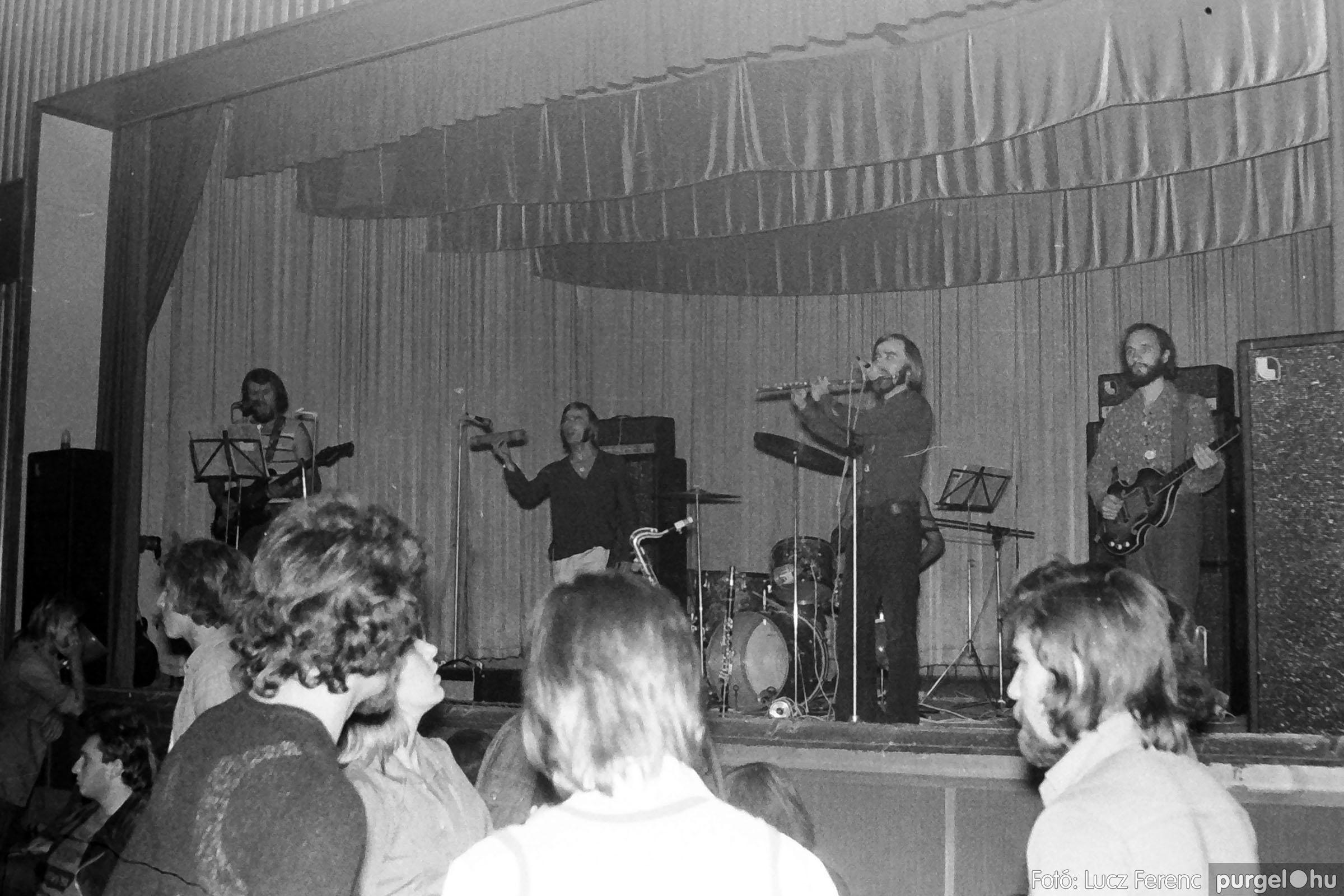 024 1975. A Kvint, az LWH és a Keopsz Együttesek koncertje 007 - Fotó: Lucz Ferenc IMG00185q.jpg
