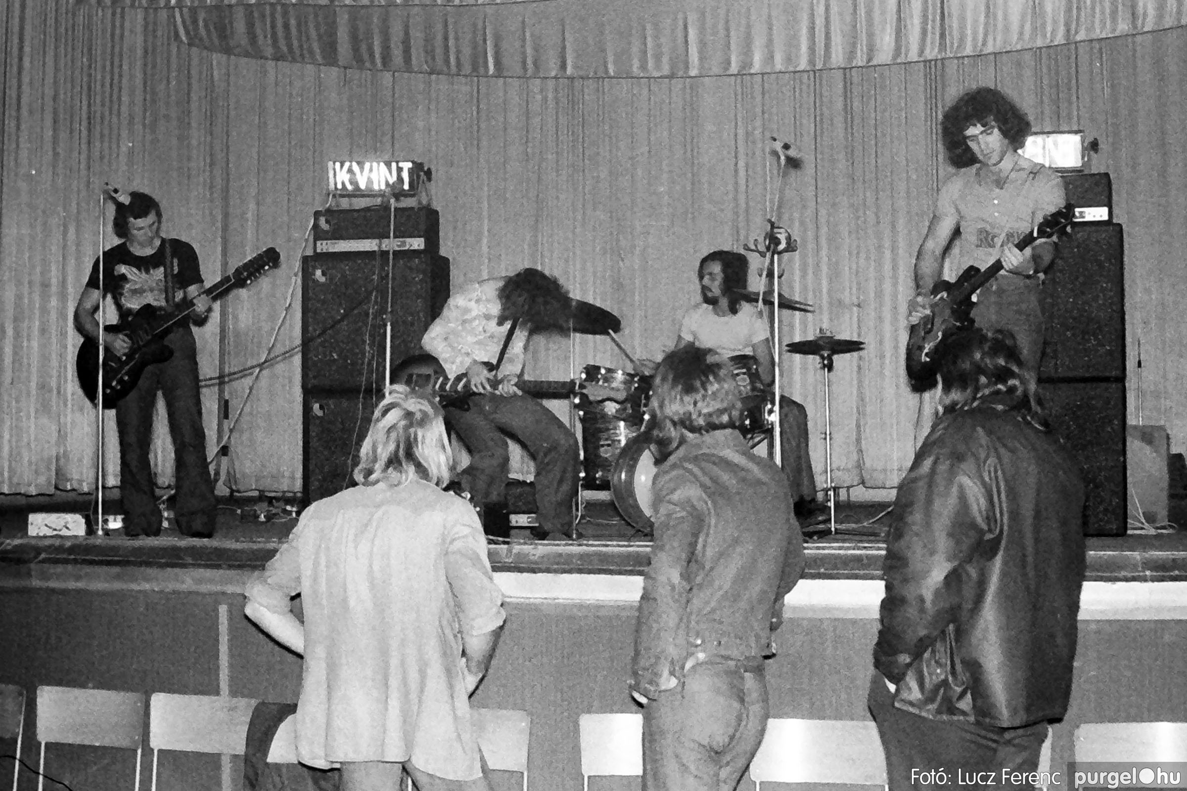 024 1975. A Kvint, az LWH és a Keopsz Együttesek koncertje 003 - Fotó: Lucz Ferenc IMG00181q.jpg