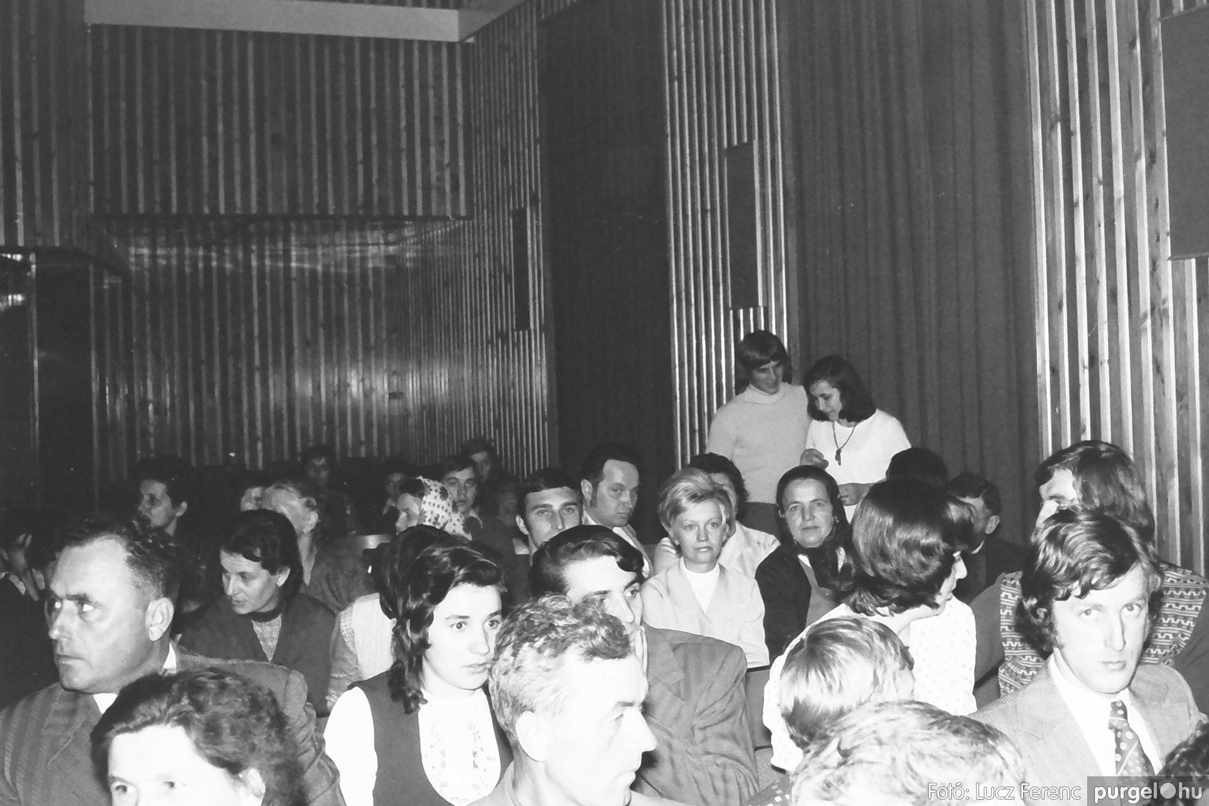028 1975. Rendezvény a kultúrházban 005 - Fotó: Lucz Ferenc IMG00071q.jpg