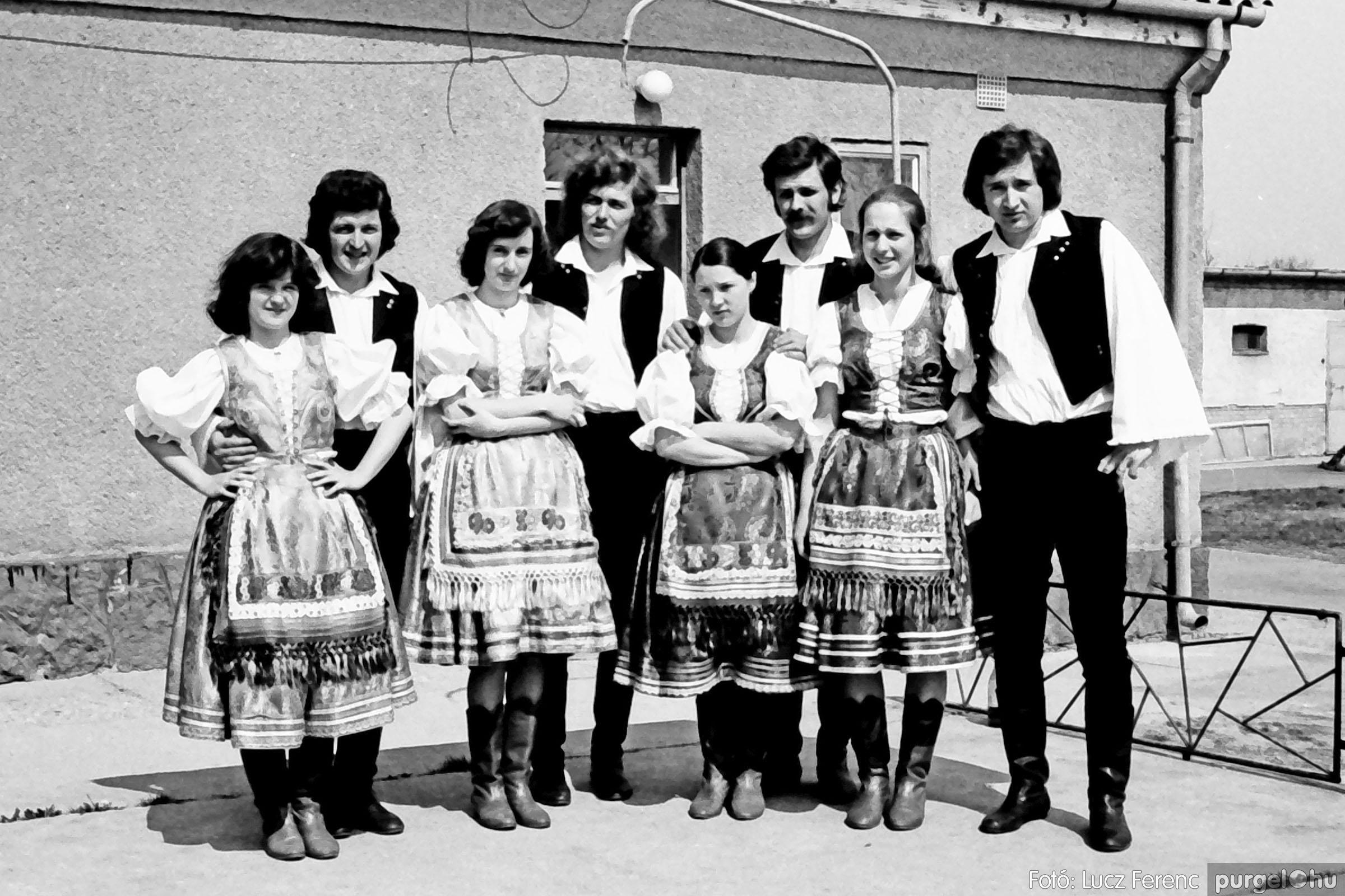 039. 1976.04.04. Április 4-i ünnepség a kultúrházban 034. - Fotó: Lucz Ferenc.jpg