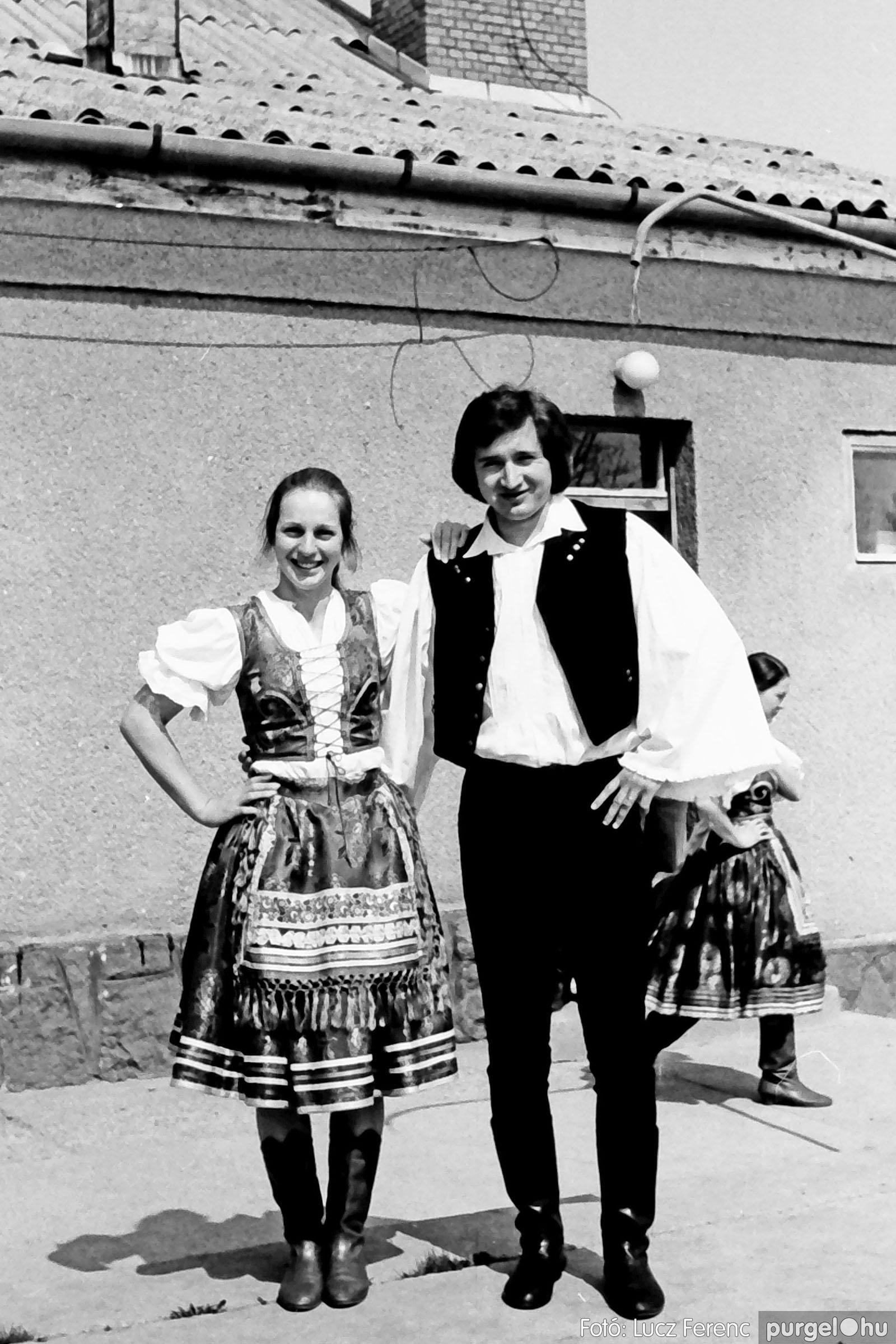 039. 1976.04.04. Április 4-i ünnepség a kultúrházban 033. - Fotó: Lucz Ferenc.jpg