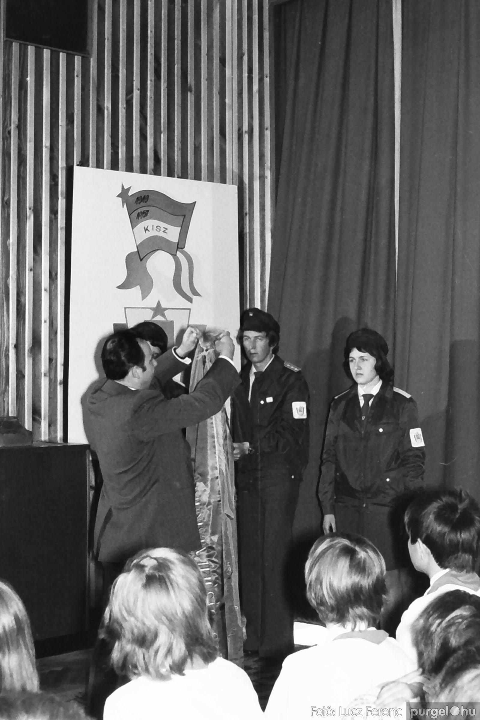 039. 1976.04.04. Április 4-i ünnepség a kultúrházban 014. - Fotó: Lucz Ferenc.jpg