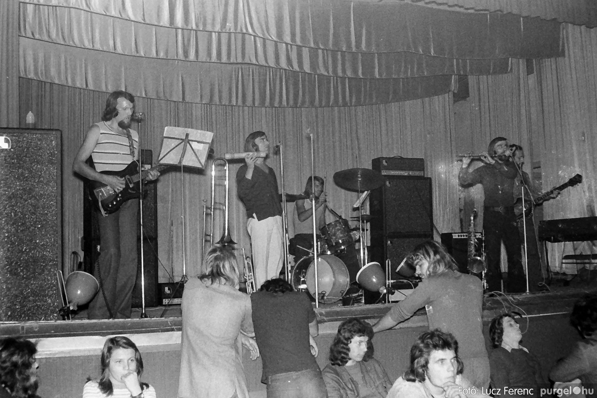 024 1975. A Kvint, az LWH és a Keopsz Együttesek koncertje 010 - Fotó: Lucz Ferenc IMG00188q.jpg