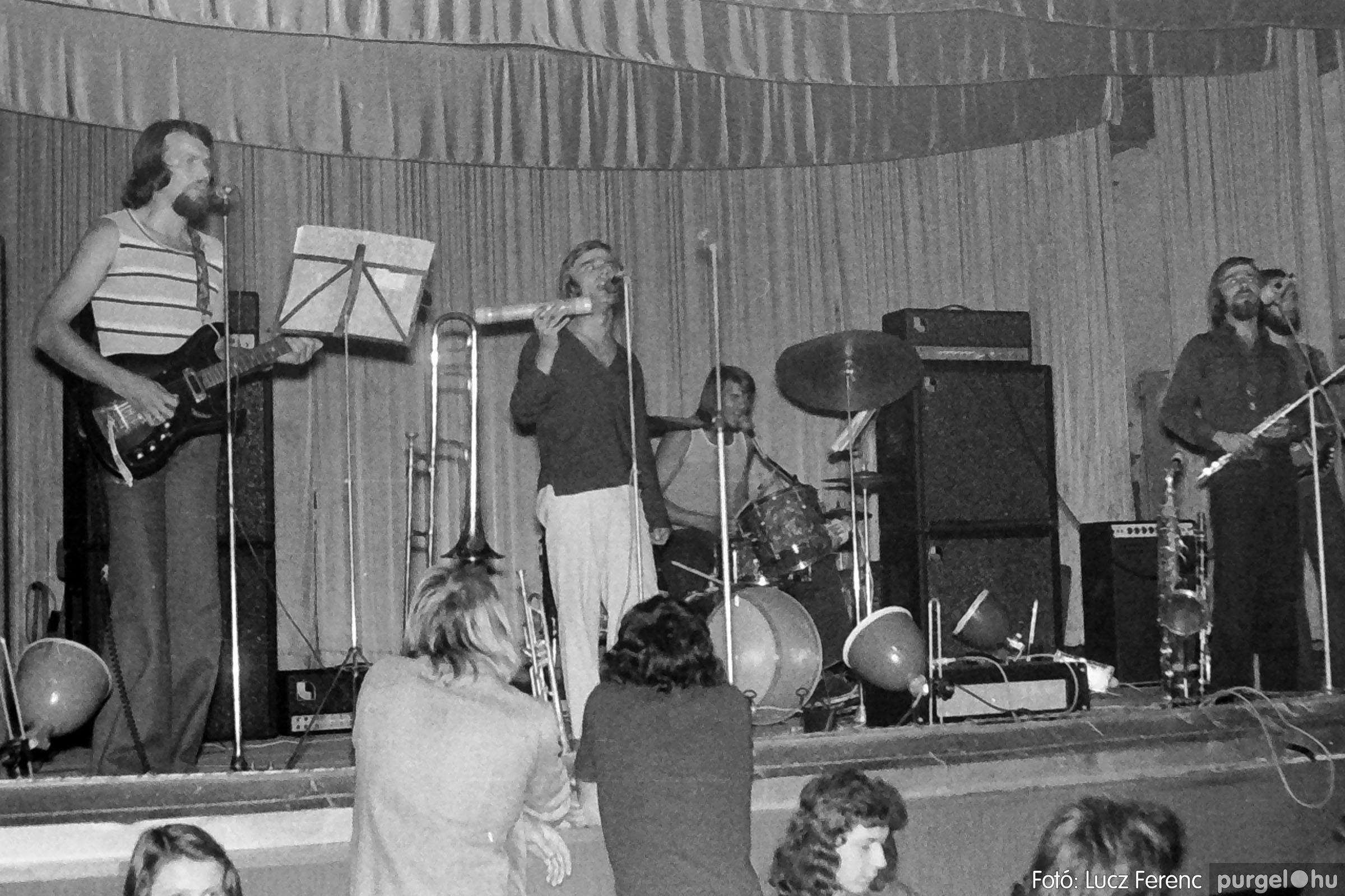 024 1975. A Kvint, az LWH és a Keopsz Együttesek koncertje 009 - Fotó: Lucz Ferenc IMG00187q.jpg