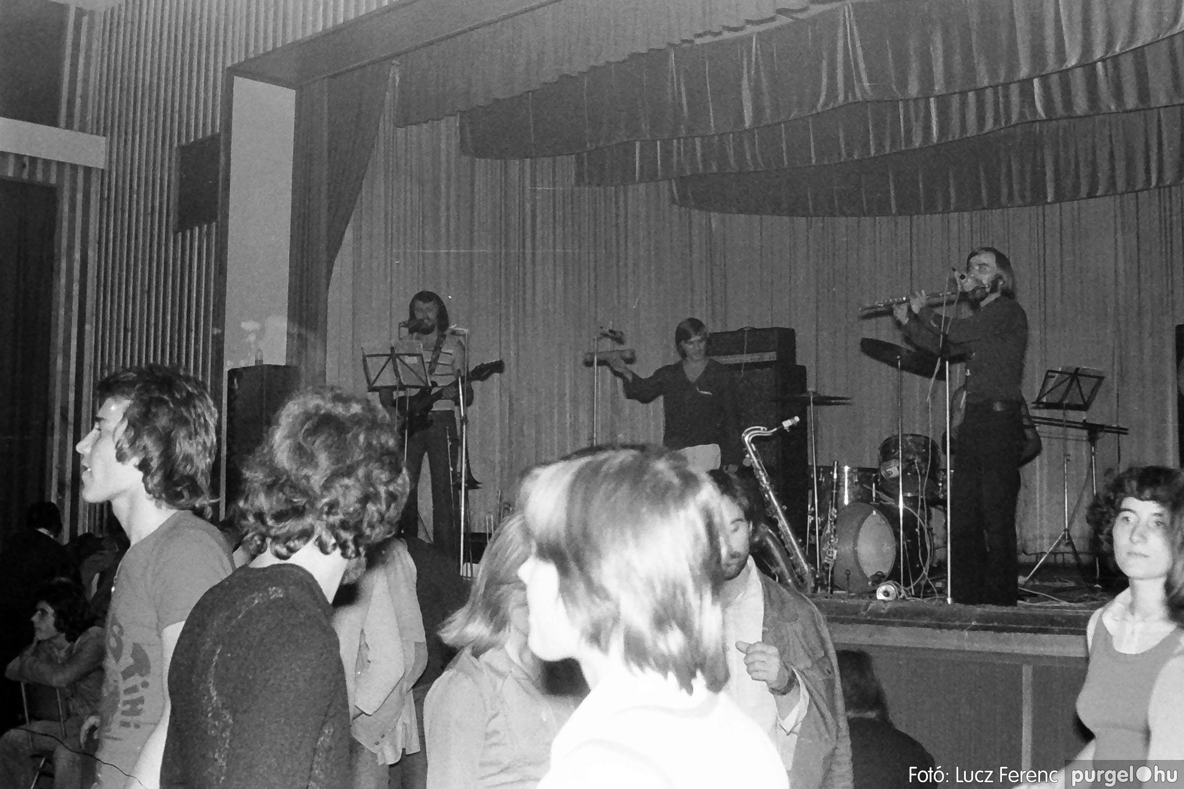 024 1975. A Kvint, az LWH és a Keopsz Együttesek koncertje 008 - Fotó: Lucz Ferenc IMG00186q.jpg