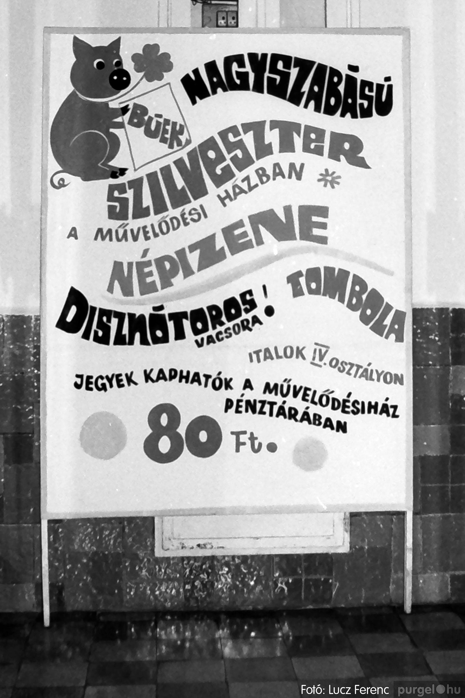 030. 1975.12.31. Szilveszter a kultúrházban 001 - Fotó: Lucz Ferenc.jpg