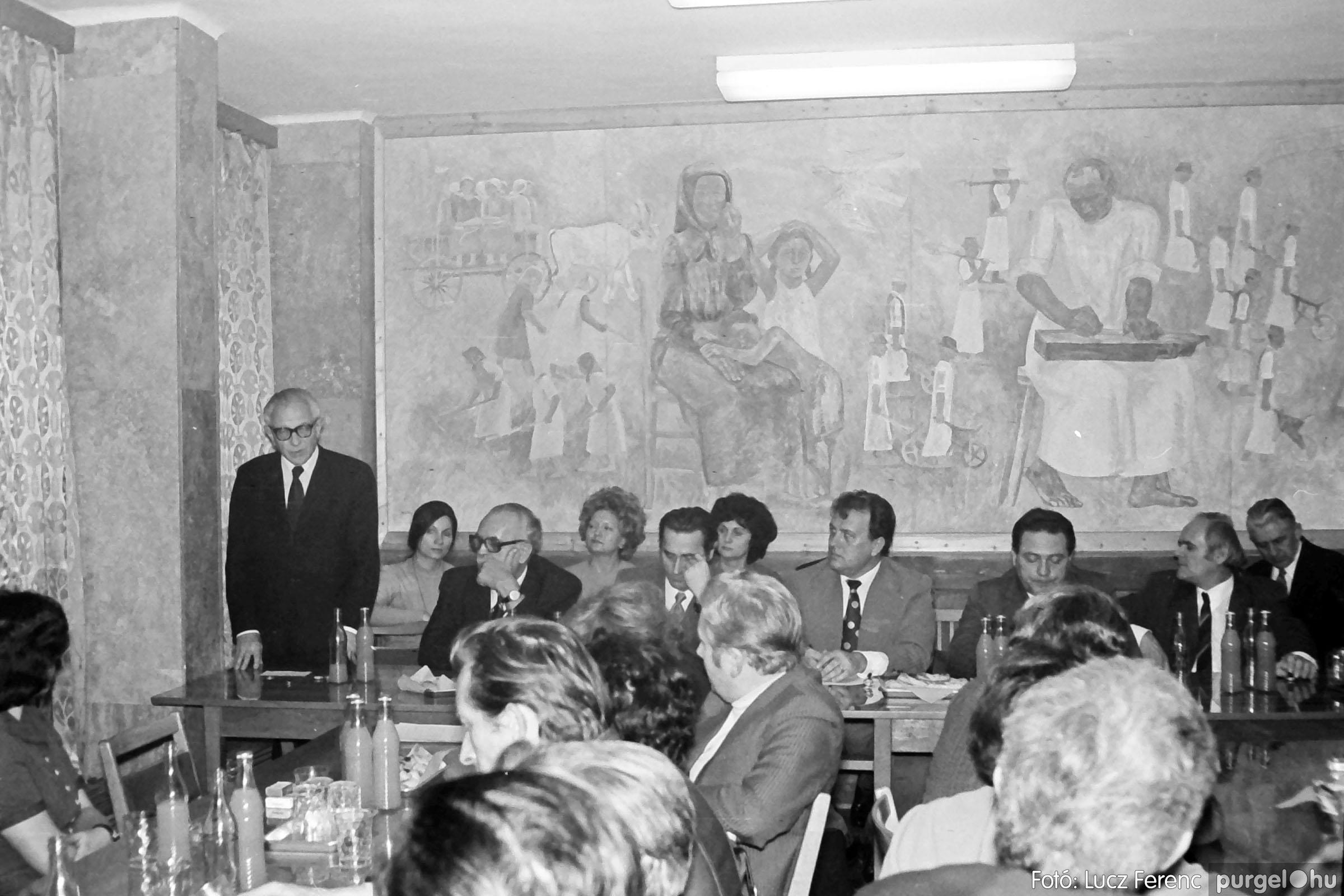 031. 1976. Rendezvény a pártházban 004 - Fotó: Lucz Ferenc.jpg