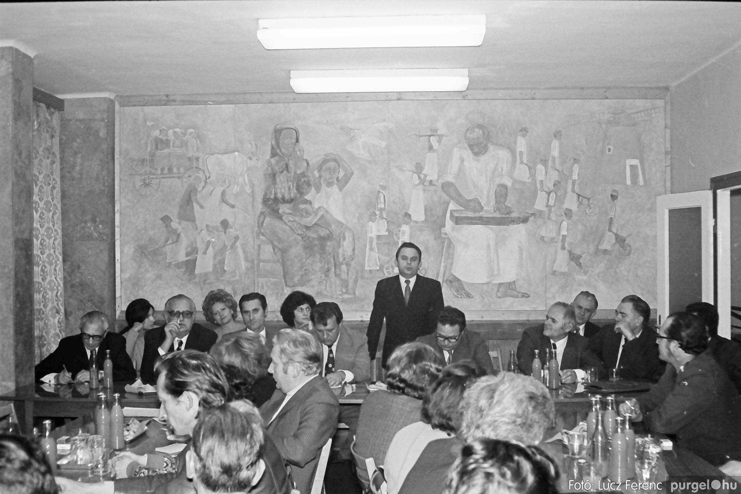 031. 1976. Rendezvény a pártházban 003 - Fotó: Lucz Ferenc.jpg