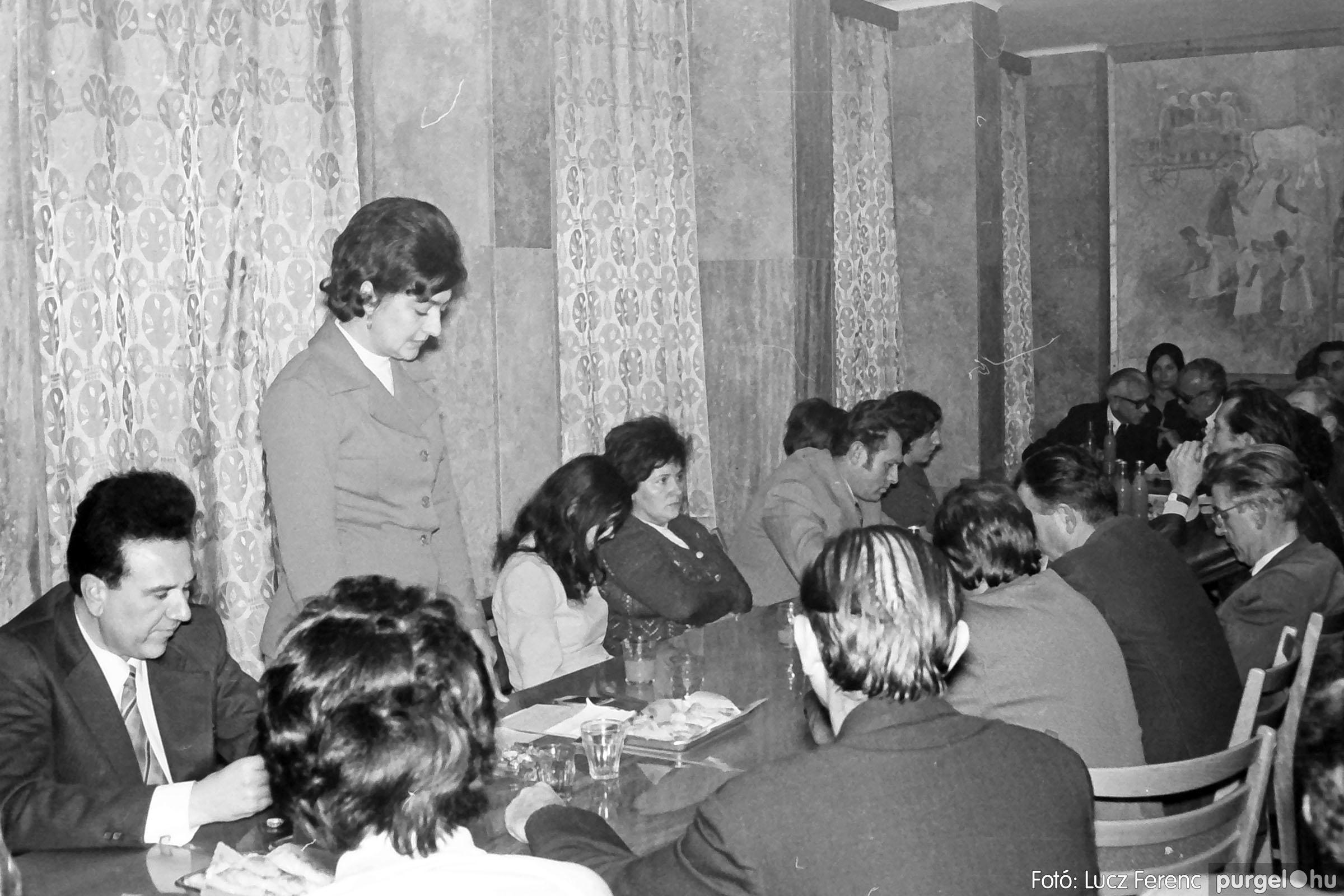 031. 1976. Rendezvény a pártházban 001 - Fotó: Lucz Ferenc.jpg