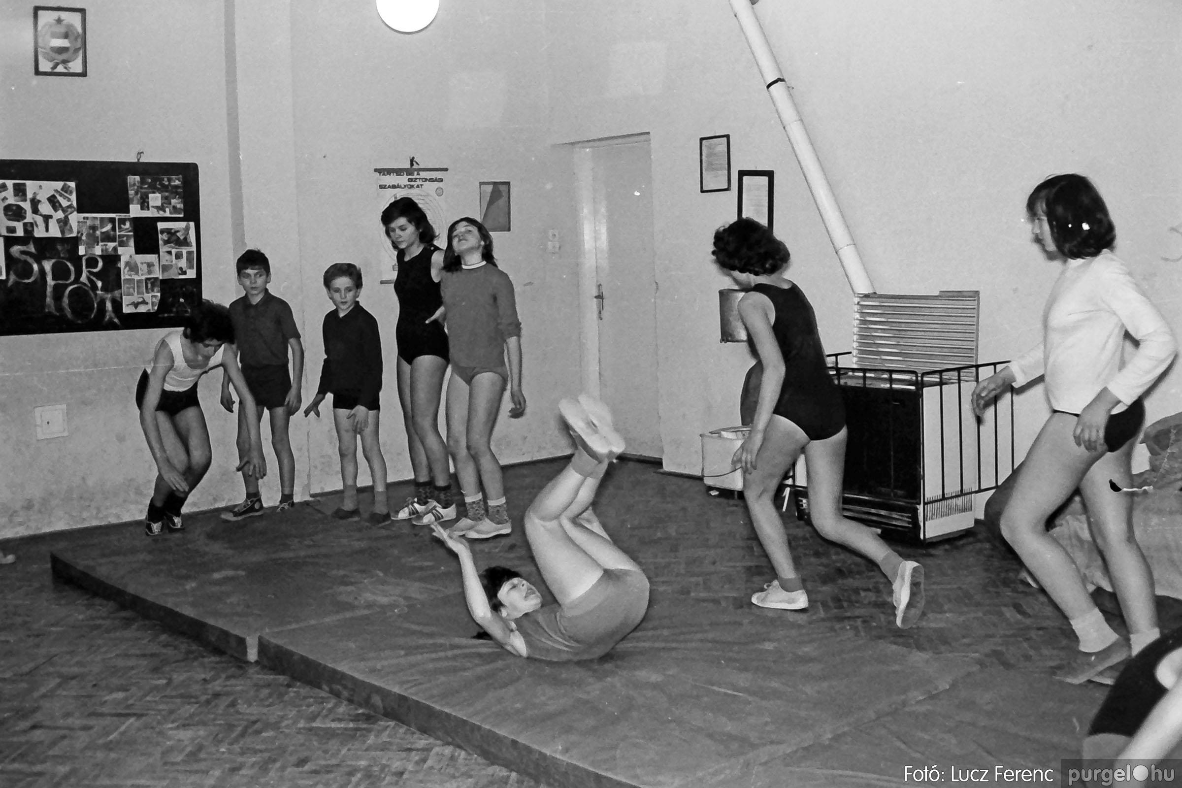 031. 1976. Tornaóra 004 - Fotó: Lucz Ferenc.jpg