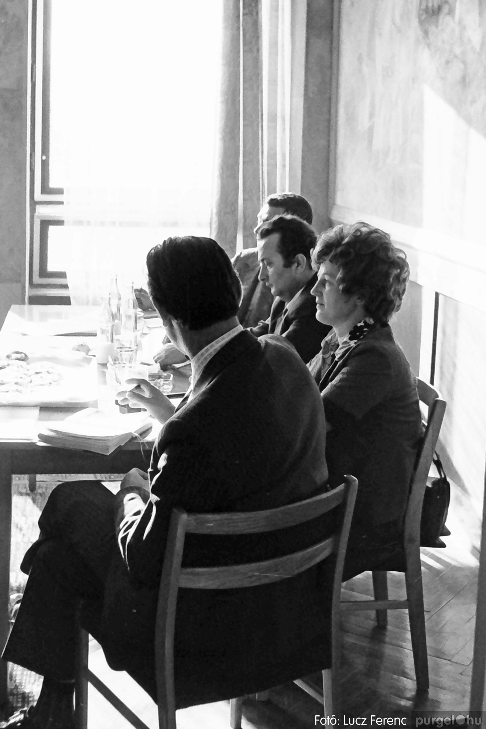 036. 1976. Tanácskozás a pártházban 003 - Fotó: Lucz Ferenc.jpg