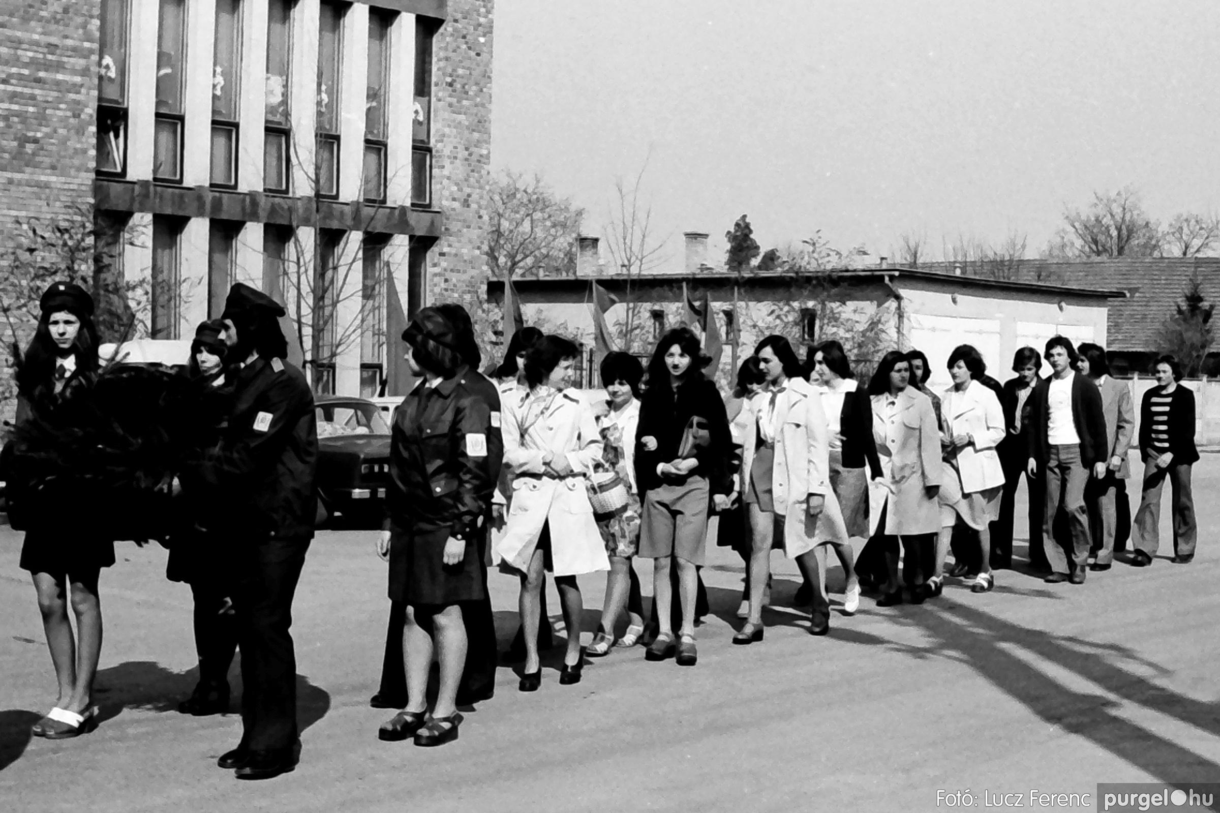 040. 1976.04.04. Április 4-i ünnepség 006. - Fotó: Lucz Ferenc - IMG00214q.jpg