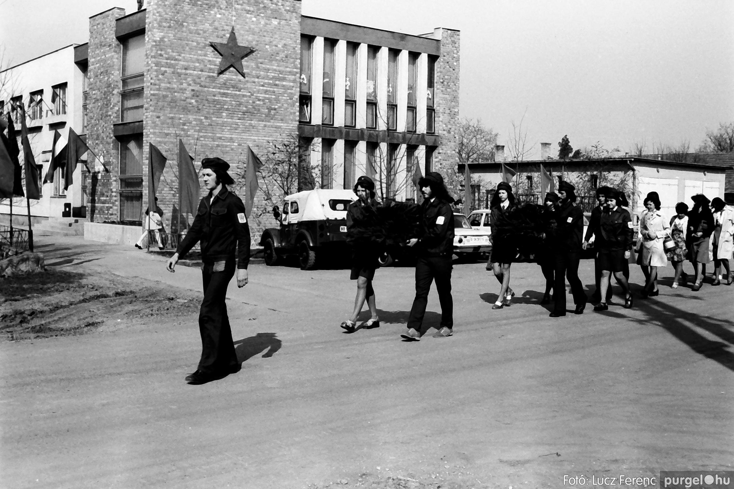 040. 1976.04.04. Április 4-i ünnepség 005. - Fotó: Lucz Ferenc - IMG00213q.jpg