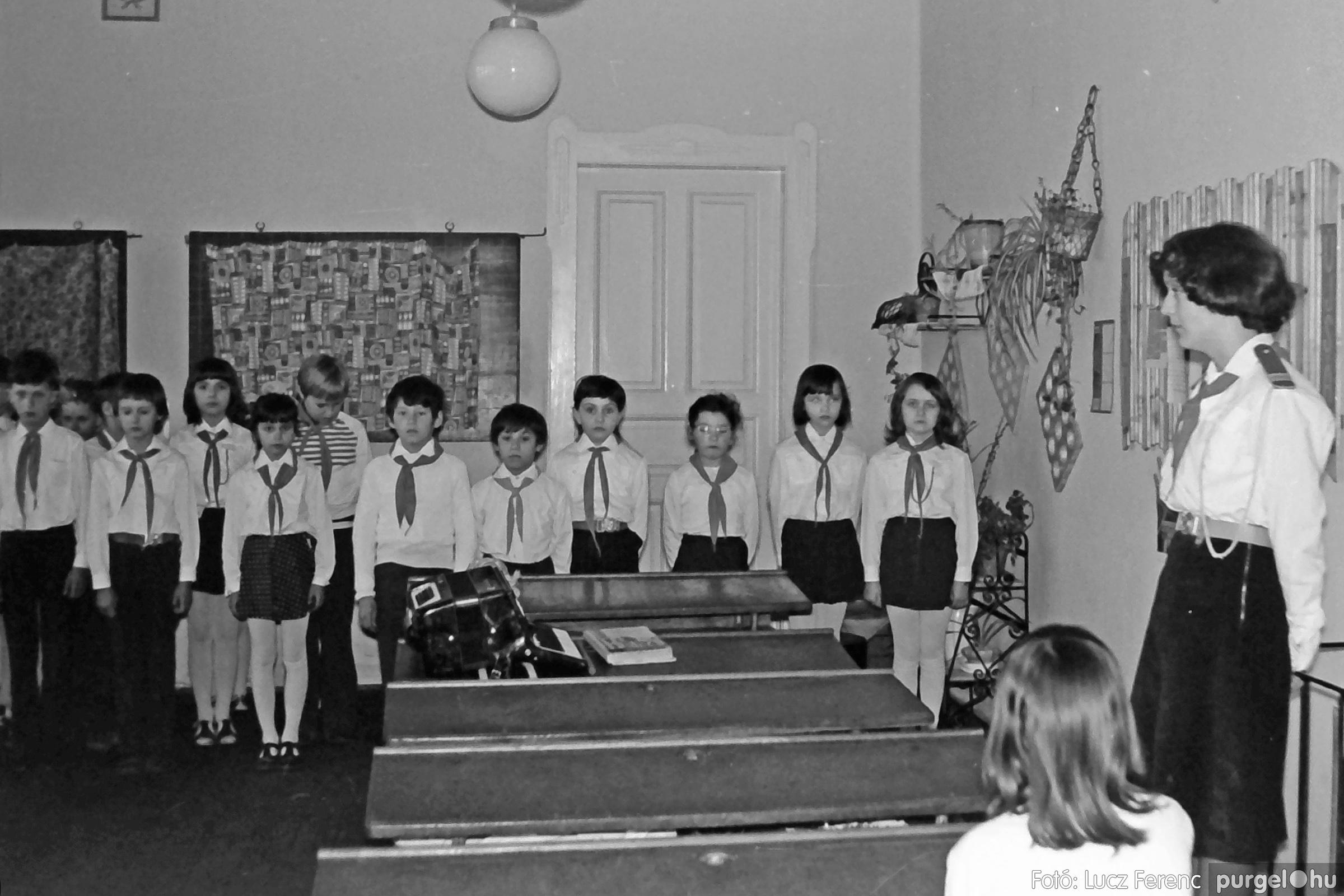 042-043. 1976. Program az újfalusi iskolában 013. - Fotó: Lucz Ferenc - IMG00289q.jpg