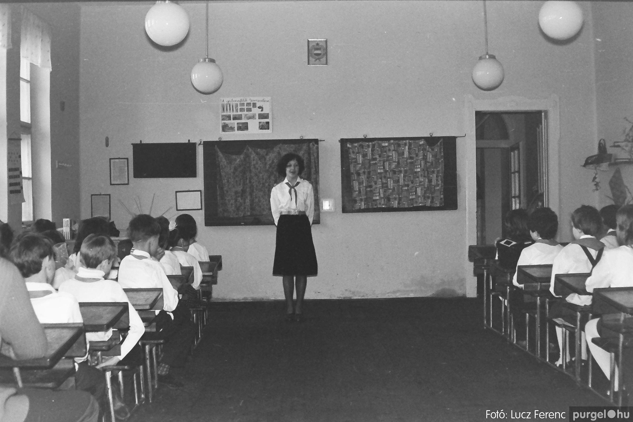 042-043. 1976. Program az újfalusi iskolában 011. - Fotó: Lucz Ferenc - IMG00287q.jpg