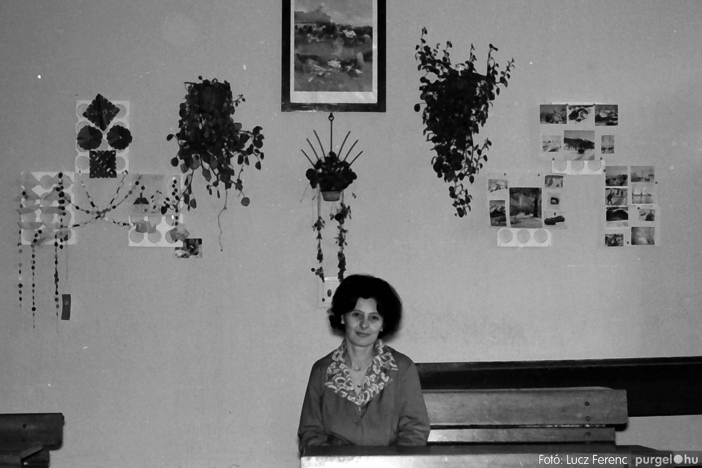 042-043. 1976. Program az újfalusi iskolában 006. - Fotó: Lucz Ferenc - IMG00243q.jpg