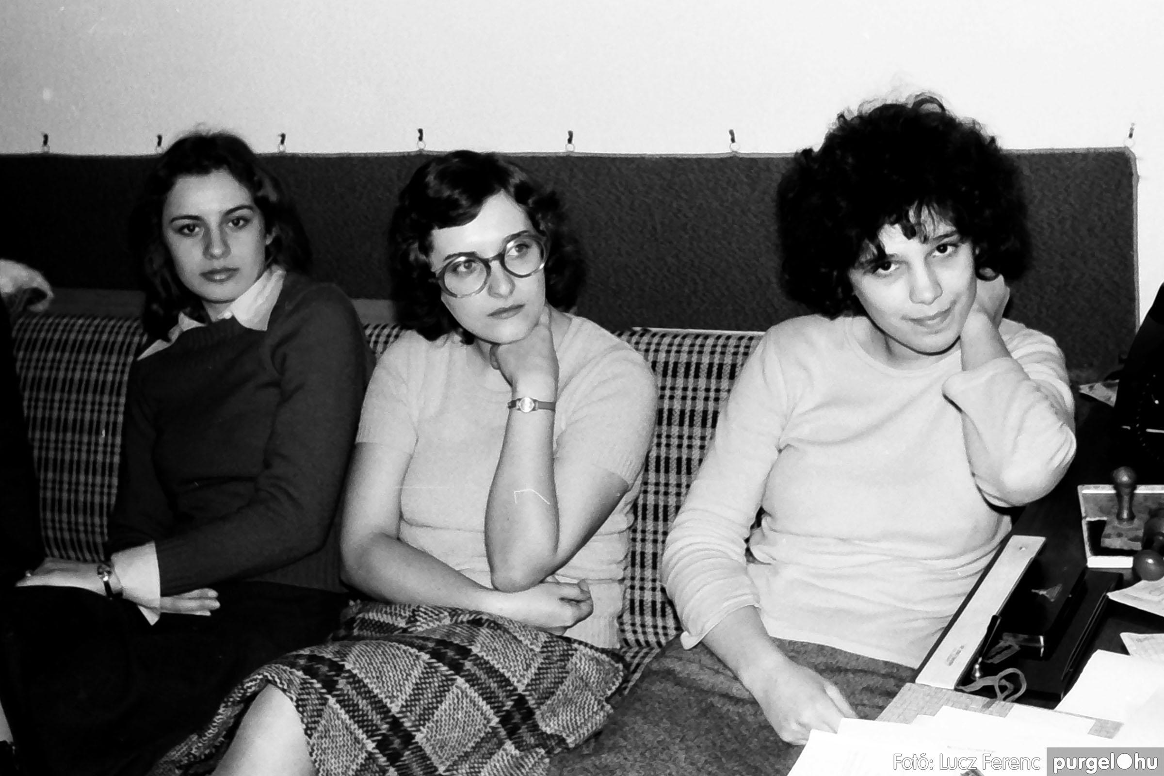 032. 1976. Az ötödik ötéves tervért... 010 - Fotó: Lucz Ferenc - IMG00188q.jpg