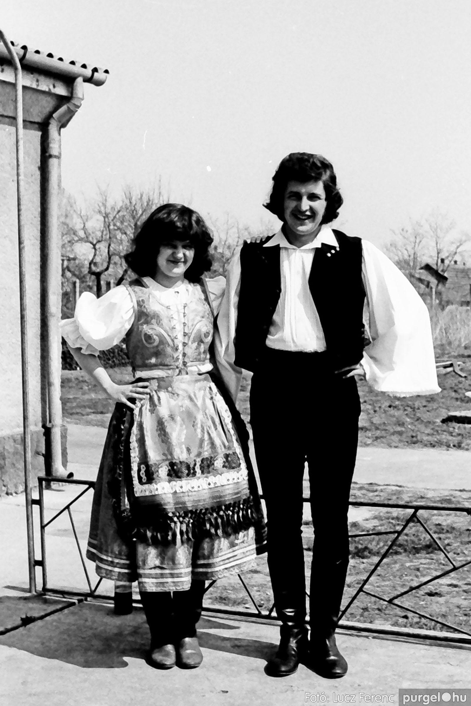 039. 1976.04.04. Április 4-i ünnepség a kultúrházban 032. - Fotó: Lucz Ferenc.jpg