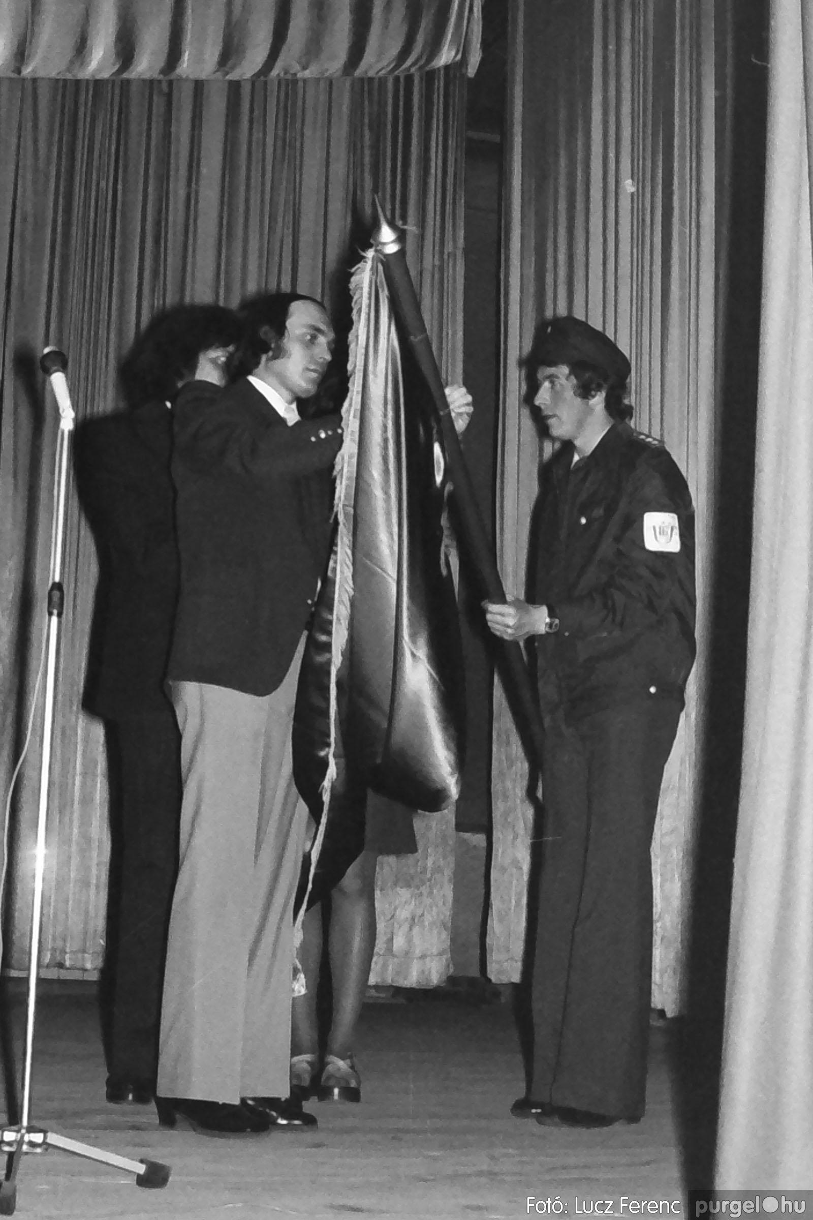 039. 1976.04.04. Április 4-i ünnepség a kultúrházban 008. - Fotó: Lucz Ferenc.jpg