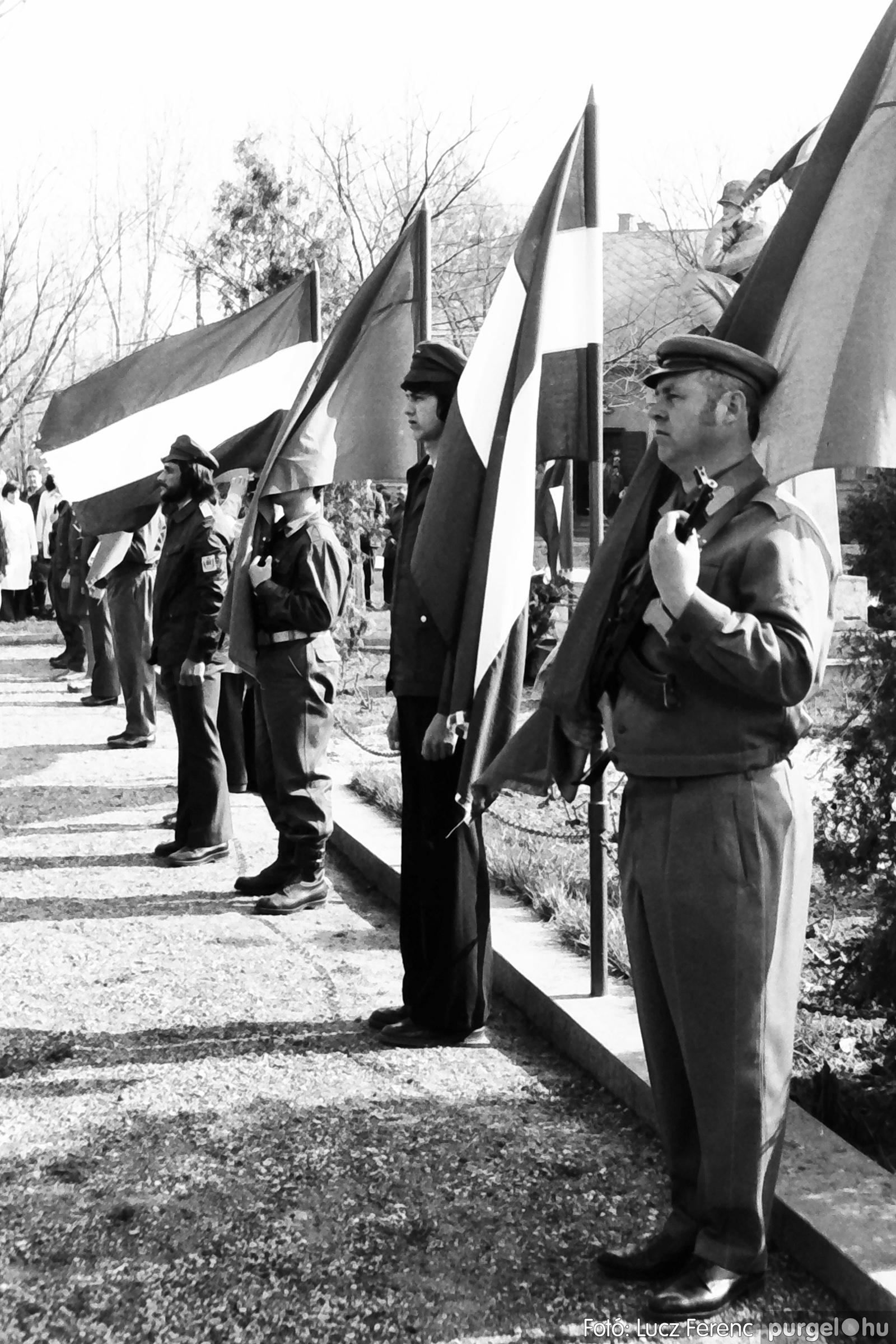 040. 1976.04.04. Április 4-i ünnepség 018. - Fotó: Lucz Ferenc - IMG00233q.jpg