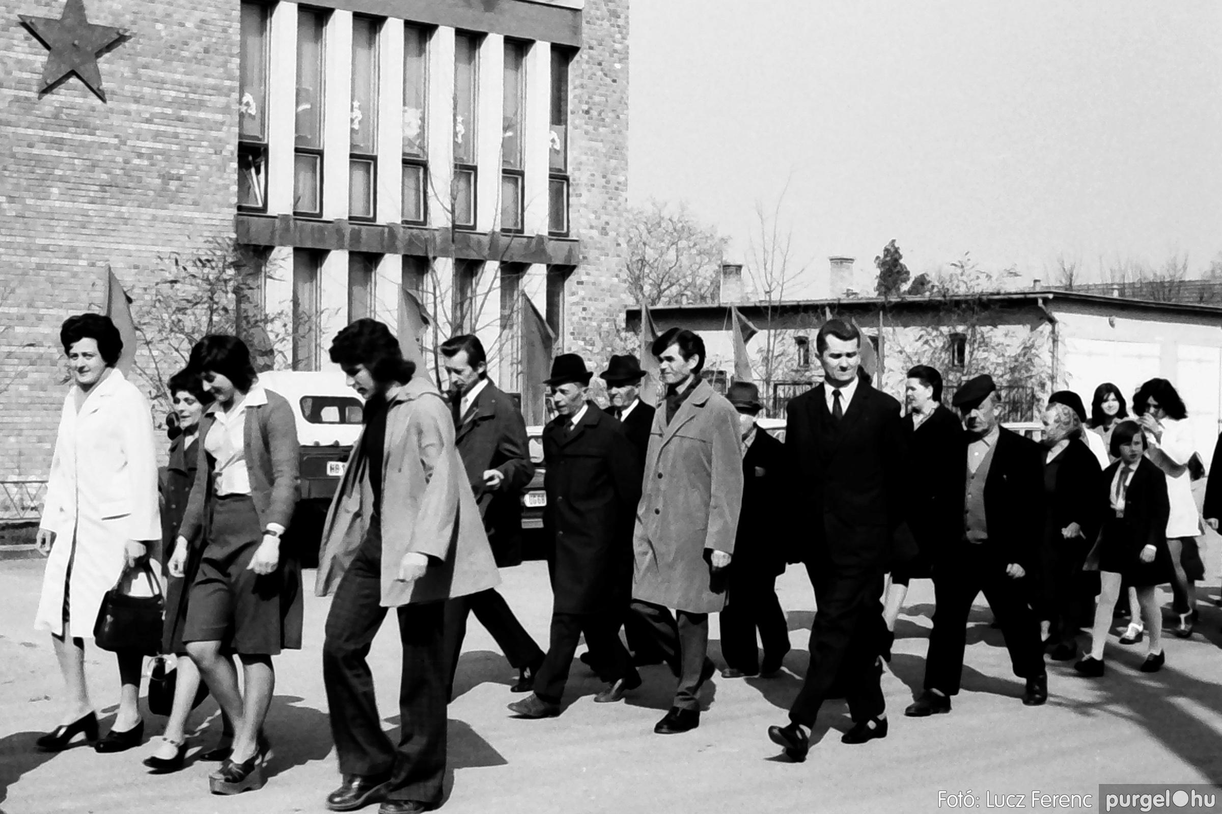 040. 1976.04.04. Április 4-i ünnepség 011. - Fotó: Lucz Ferenc - IMG00221q.jpg