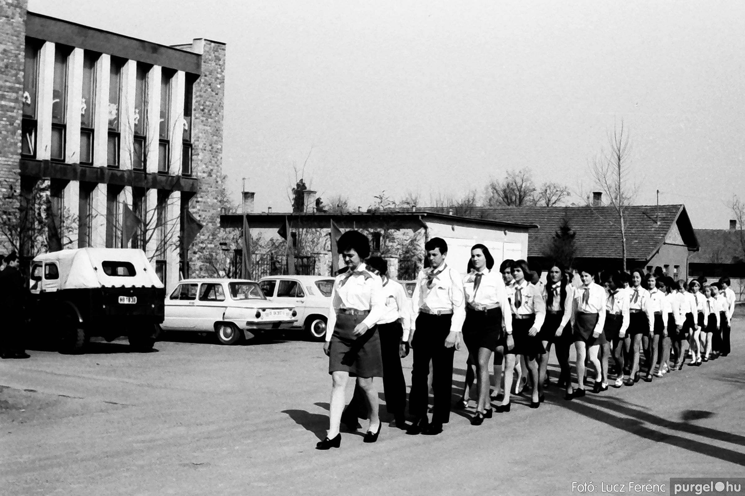 040. 1976.04.04. Április 4-i ünnepség 004. - Fotó: Lucz Ferenc - IMG00212q.jpg